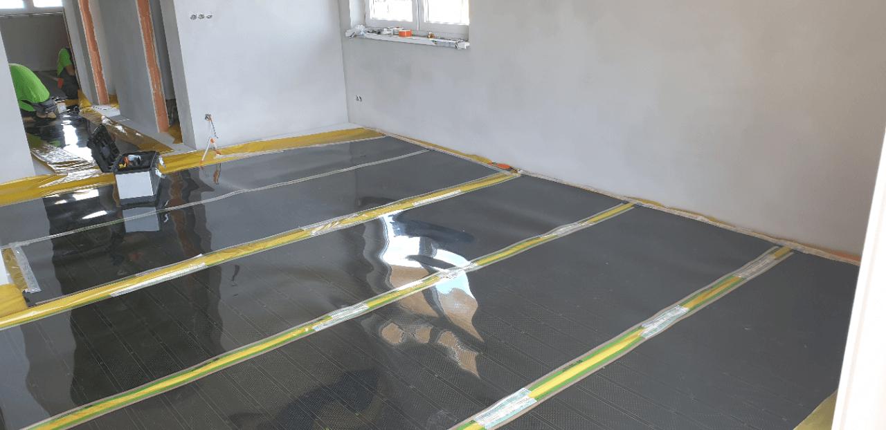 Topná fólie podlahové vytápění developerského projektu
