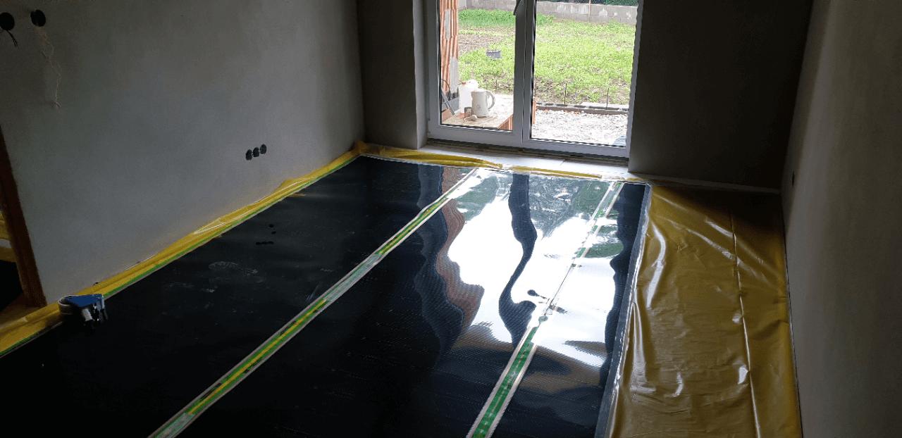 Podlahové vytápění rodinného domu topnou fólií